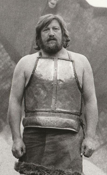 Frede Fogh i rollen som Thor i forestilling Starkad fra 1980. Foto: Hans Chr. Gabelgaard.
